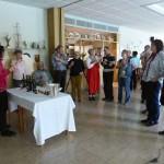 Die Weinverkostung Astrid Feck-Grüning hat die Bio-Weine für die Vorspeise und den Hauptgang mit der Gruppe fachgerecht  verkostet