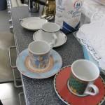 Die Tassen für die Mokka