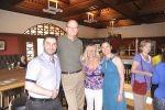 Die griechische Wein scheinen den Gästen zu schmecken. Christos Lazaridis, Familie Lamm, Vicky Legaki. Hellenisches Fest 2014 in Rudersport 1888, Wiesbaden